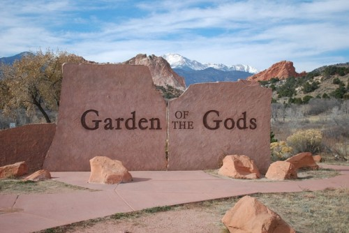 1024px-Garden_of_the_Gods_Entrance_Sign